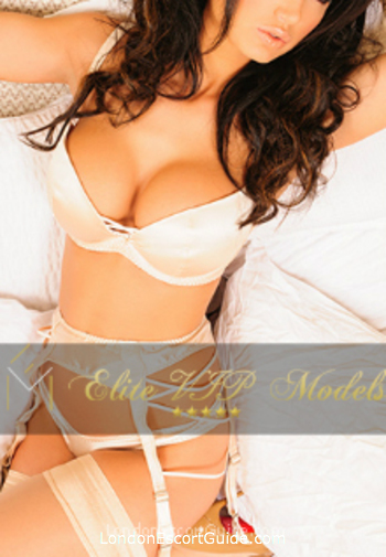 central london 400-to-600 Leva london escort