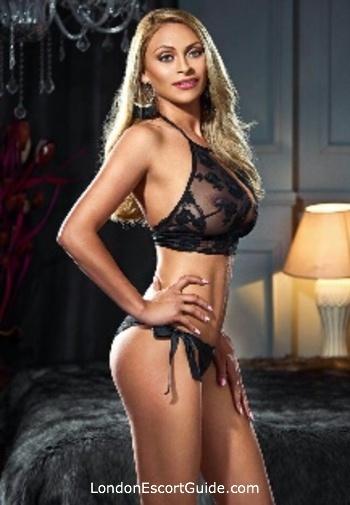 Bayswater blonde Azaria london escort