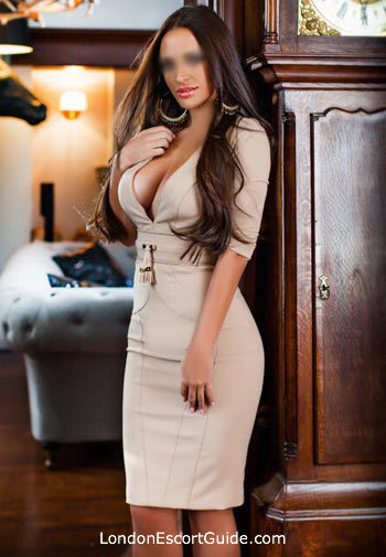 Victoria brunette Giulia london escort