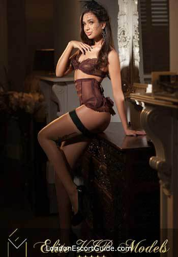 Mayfair 400-to-600 Evelyn london escort