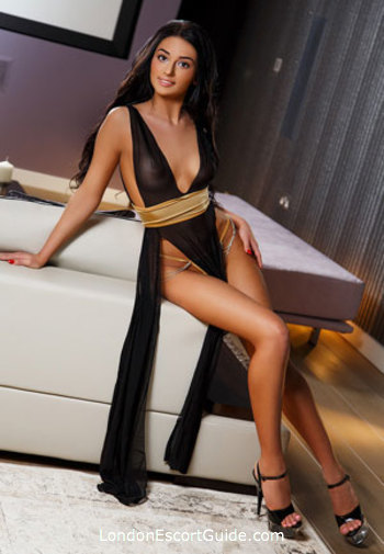 Bayswater massage Em london escort