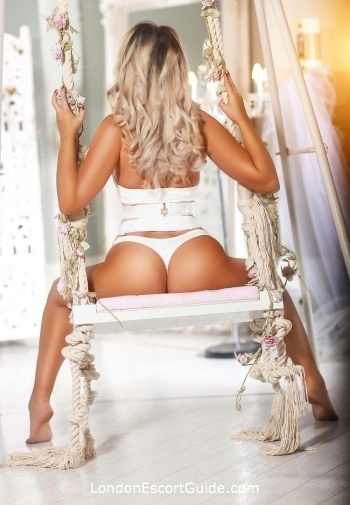 Chelsea blonde Mariana london escort