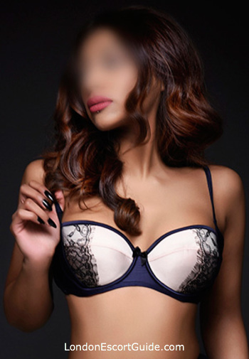 London Bridge massage Kyra london escort