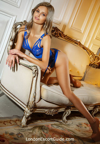 Baker Street under-200 Nancy london escort