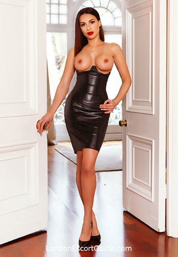 South Kensington busty Cruz london escort