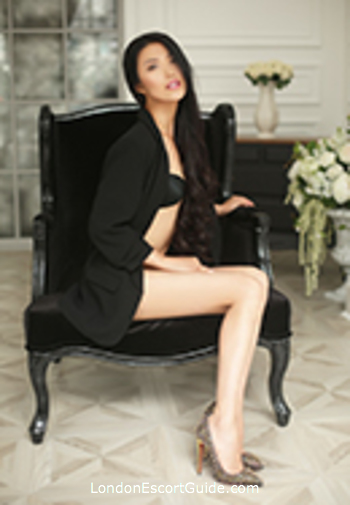 Chelsea 400-to-600 Emma london escort