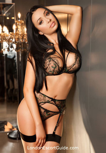 Mayfair 300-to-400 Martina london escort