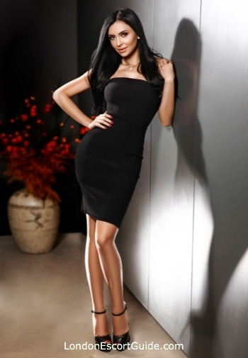 Knightsbridge massage Iris london escort
