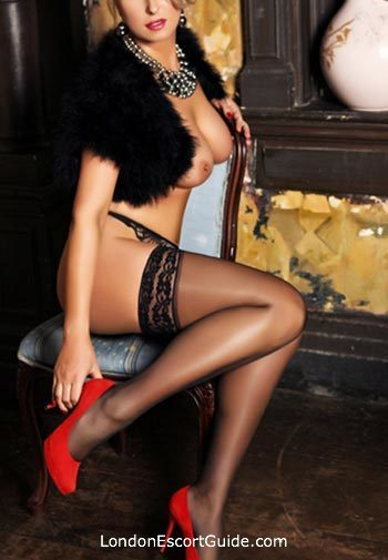 Kensington busty Victoria london escort