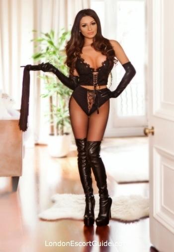 Knightsbridge brunette Ladonna london escort