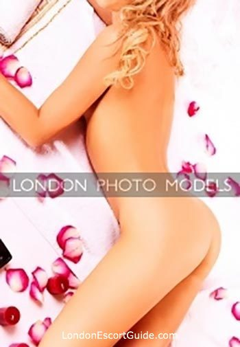 Outcall Only elite Maya london escort