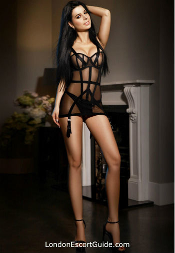 Marble Arch brunette Paulina london escort