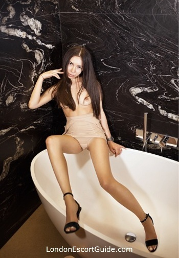 Outcall Only brunette Alla london escort