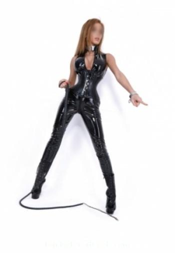 Queensway 200-to-300 Mistress Mia london escort