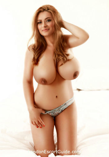 Bayswater brunette Lexi london escort