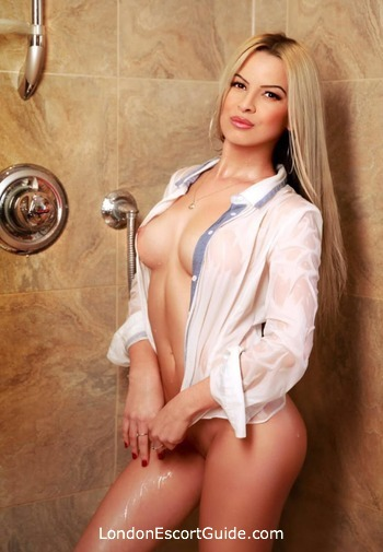 Chelsea value Erika london escort