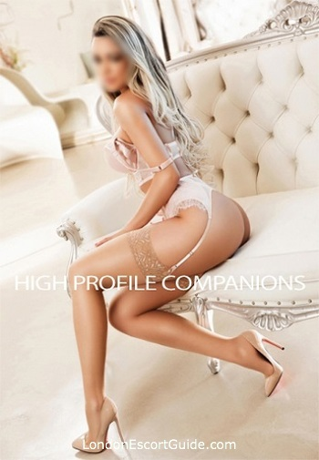 Outcall Only massage Hannie london escort
