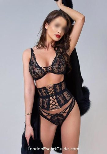 Outcall Only brunette Adriana london escort