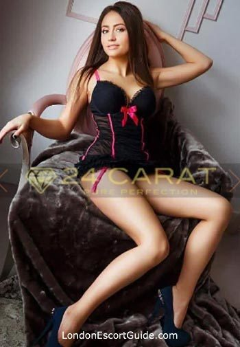 South Kensington under-200 Lynda london escort