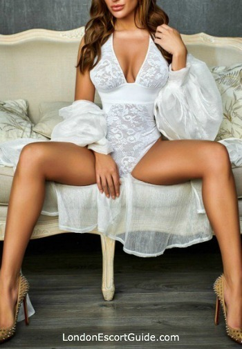 Chelsea massage Giulia london escort