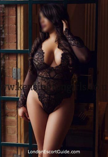 Paddington 200-to-300 Asmaara london escort