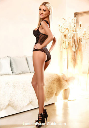 Bayswater blonde Paulina london escort
