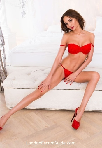 Earls Court massage Mikel london escort
