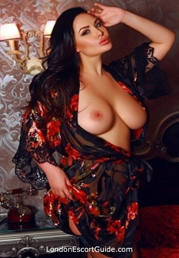 Earls Court latin Yassmina london escort