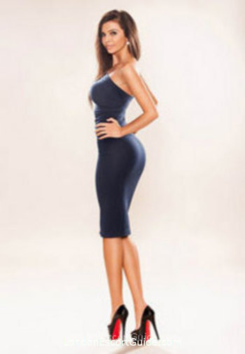 Kensington Olympia 400-to-600 Aysha london escort