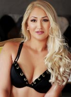 Knightsbridge blonde Eve london escort
