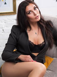 Knightsbridge east-european Veronique london escort