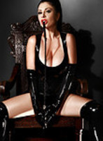 Kensington pvc-latex Cora london escort