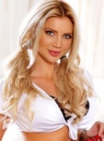 Knightsbridge 200-to-300 Epica london escort