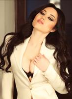 Kensington featured-girls Amira london escort