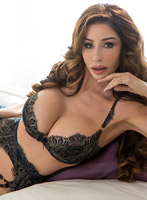 Earls Court 200-to-300 Eve london escort