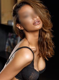 South Kensington brunette Jessy london escort