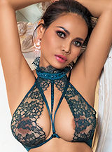 Edgware Road featured-girls Alexia london escort