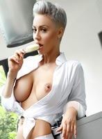 Knightsbridge busty Nicky london escort